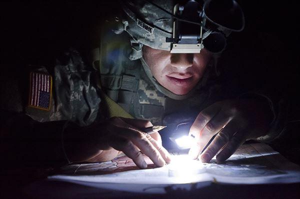 TANK007 tactical flashlight2